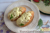 Горячие бутерброды с сайрой (в духовке)