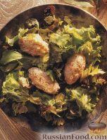 Салат с рыбными котлетами