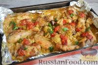Курица, запеченная с цветной капустой, под соусом песто