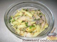 Салат селедочный