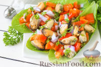 Салат с мидиями и перцем