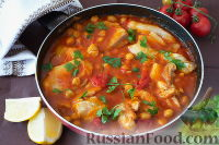 Тилапия в томатном соусе с консервированным нутом