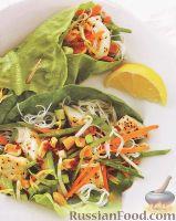 Палтус с рисовой лапшой и овощами