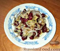 Скандинавский салат из скумбрии и вишни