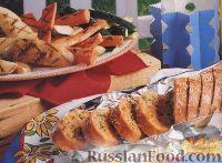 Багет, печенный в фольге, с сырной начинкой