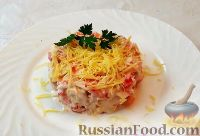 Салат с крабовыми палочками, помидорами и сыром