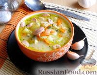 Суп с сосисками, вермишелью и плавленым сыром