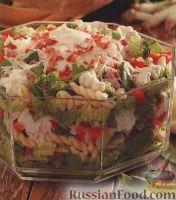 Слоеный салат из овощей и макарон