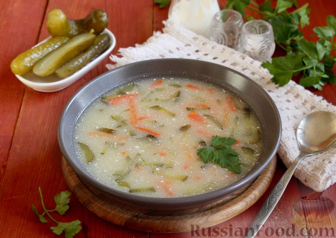 Огирчанка (суп из квашеных огурцов и кукурузной крупы)