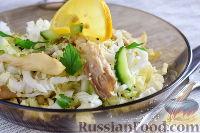 Салат с вешенками, капустой и огурцами