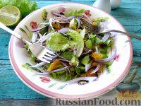 Кубинский салат с авокадо и ананасом
