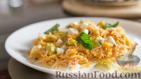 Рисовая лапша с соусом из кабачков