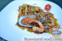 Салат из морепродуктов и стеклянной лапши