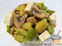 Салат из кабачков, грибов и брынзы