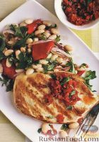 Куриное филе с теплым фасолевым салатом