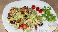 Овощной салат с курицей и фасолью