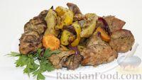 Индейка с овощами и грецкими орехами, запечённая в духовке