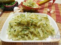 Салат из запечённой капусты, с солёными огурцами