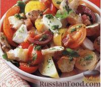 Салат с панчеттой, грибами и моцареллой