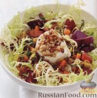 Салат с печеной свеклой, чечевицей и козьим сыром