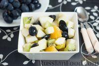 Фруктовый салат с яблоками, грушами и киви