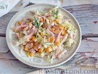 Салат из молодой капусты с ветчиной и кукурузой