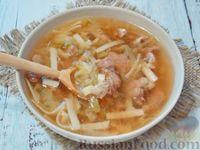 Острый суп со свининой, молодой капустой и вермишелью