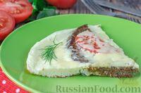 Омлет с ржаным хлебом, помидорами и сыром