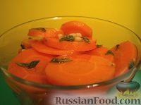 Салат из моркови в остром маринаде