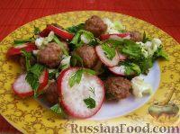 Овощной салат с мясными шариками
