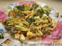 Салат с пикантными шампиньонами