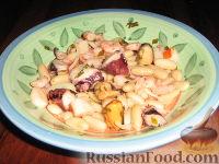 Салат из морепродуктов с фасолью