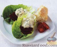 Салат с голубым сыром и свеклой