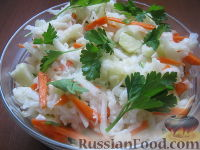Салат из капусты кольраби с морковью и яблоками