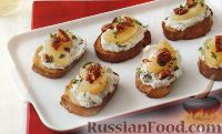 Тосты с сырной начинкой, грушами и орехами