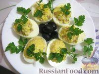 Яйца, фаршированные консервированной рыбой