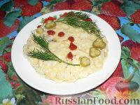 Яичница рисовая с сыром и кусочками куриного филе