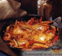 Овощное соте с ветчиной и яйцами