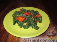 Гарнир из шпината и помидоров