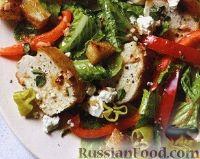Овощной салат с жареным куриным филе