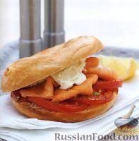 Горячие бургеры с помидорами и лососем