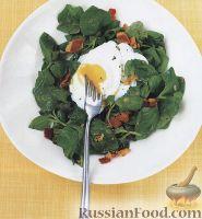 Салат из шпината с яйцами-пашот