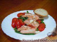 Салат с копченой форелью