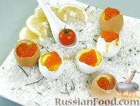 Яйца, фаршированные лососем и белой рыбой