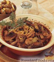 Грибной суп с огурцами и каперсами