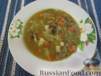 Гороховый суп с копченостями, грибами и маринованными овощами