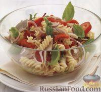 Салат из макарон с овощами и тунцом