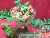 Салат с консервированной  рыбой и свежими овощами