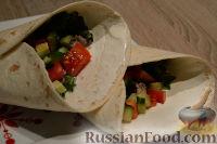 Буррито с овощами и фаршем